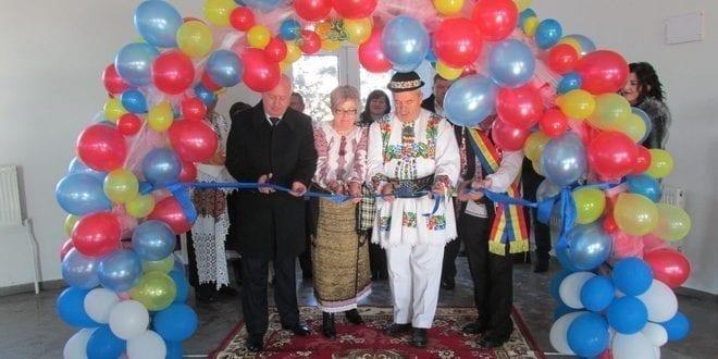 Prima fabrică de instrumente muzicale din Republica Moldova, deschisă de cunoscutul lutier reghinean Vasile Gliga. Investiţie simbol de Centenar