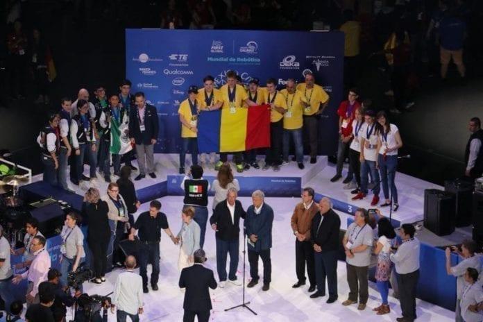 RobotX Hunedoara a castigat aurul la olimpiada mondiala de robotica