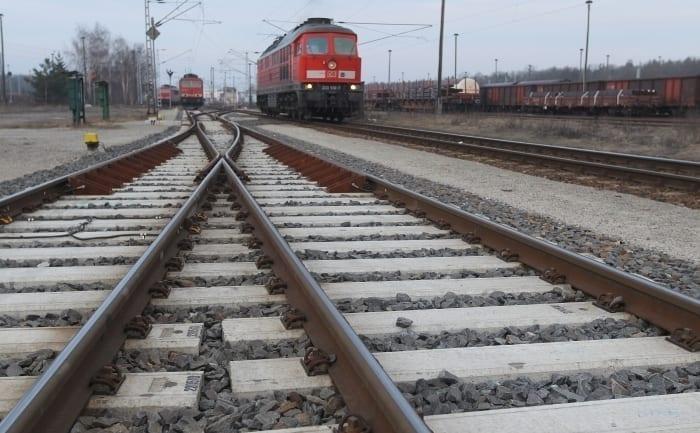 - cale ferata - Contract semnat pentru calea ferată Brașov-Sighișoara. Mai poate fi contestat?