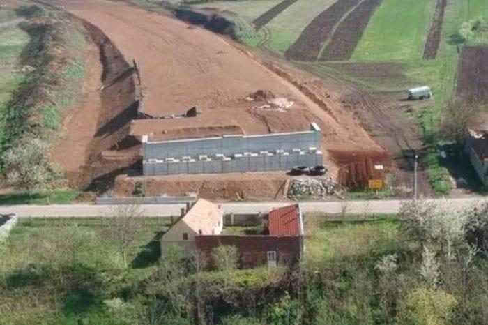 Casa care bloca autostrada Sebeş-Turda a fost demolată
