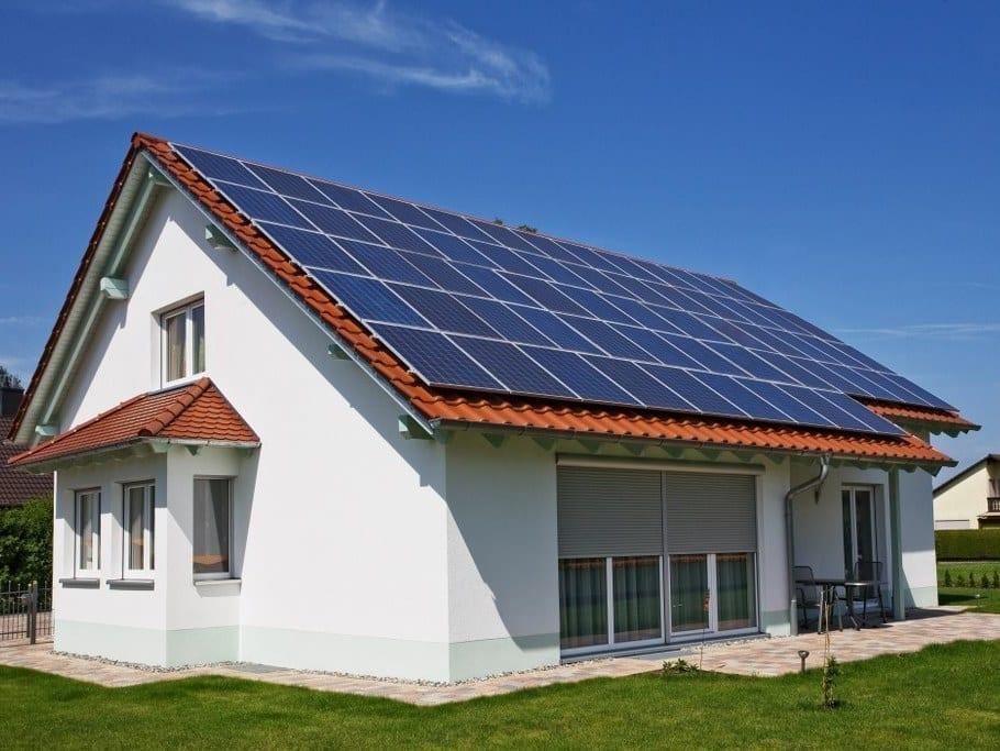 """- CASA - """"Casa Verde"""" 2019 – Panouri fotovoltaice cu bani de la stat. Noutate: Ceea ce nu consumi poţi să livrezi în sistemul naţional"""