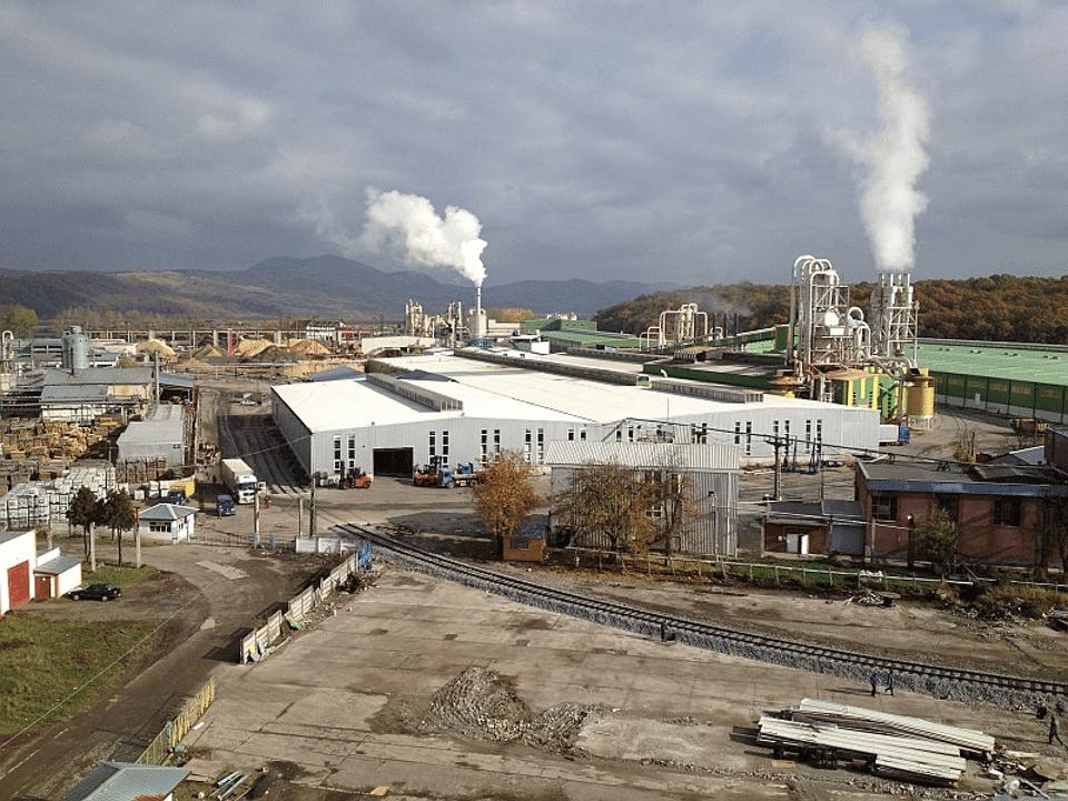 - Kastamonu Reghin 960x720 - Fabrica de prelucrare a lemnului Kastamonu din Reghin merge spre afaceri de 163 mil. euro