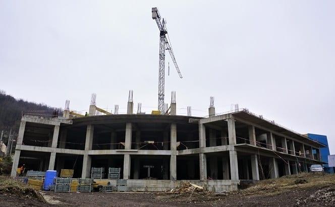 - City Center Resita 1 - Omul de afaceri Romeo Dunca va transforma ruina din centrul Reșiței într-un complex imobiliar, investiție de 7 mil. euro