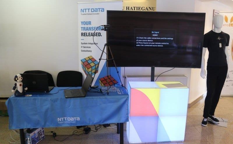 - ntt - Roboți și inteligență artificială ai NTT Data România, la conferința HEART a UMF