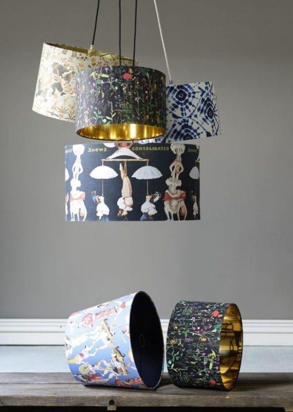 - Lampshade composition 01 585x822 - MINDTHEGAP. În lumea tapetului, abajururilor și a textilelor care cuvântă