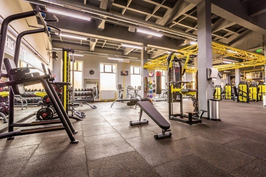 - Habit 30 spatiu 035 1024x683 - Doi tineri din Sibiu vor să fie pionieri în francizarea studiourilor de fitness din România. Vând rețeta succesului celor care își doresc să facă afaceri din sălile de sport