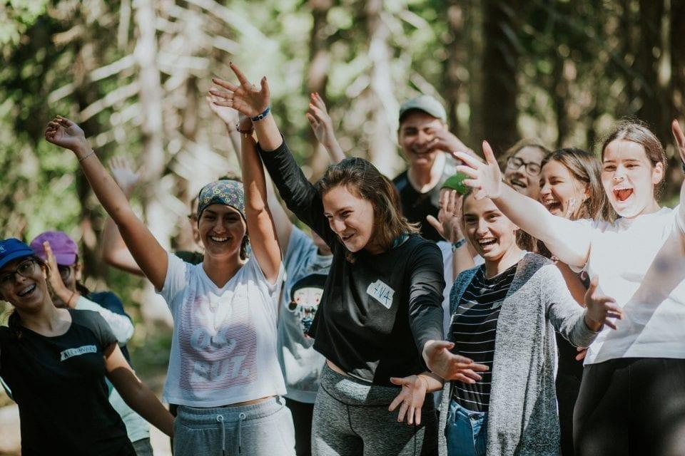 - scoala de leadership 6 1 960x640 - Cum stimulăm tinerii să se implice  în viața comunității lor?