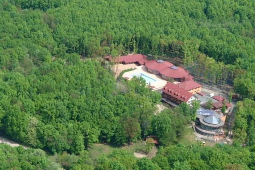 Complexul Valea Mariei din Vama