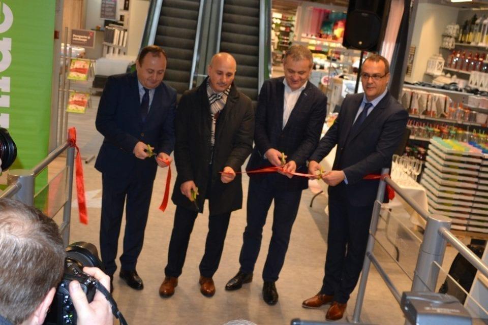 - Momax 1 960x640 - Cel mai mare magazin Mömax din România a fost deschis la Oradea