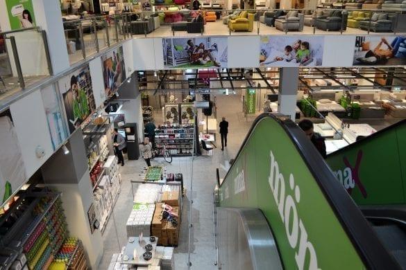 - Momax1 585x390 - Cel mai mare magazin Mömax din România a fost deschis la Oradea