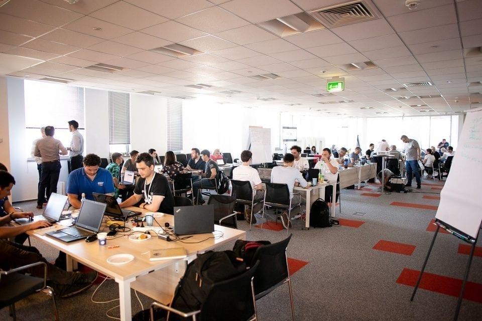 - SIIT 960x640 - Angajați din Ardealul de Nord vor deveni IT-iști prin reconversie profesională