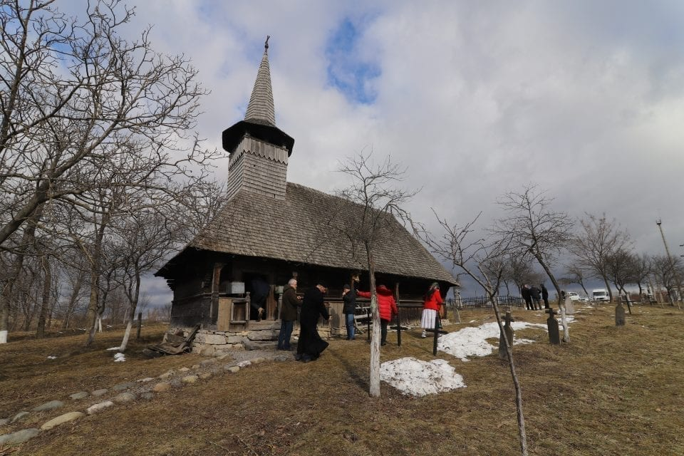 """- Biserica de lemn de la Valea Cri  ului 960x640 - """"Ruta bisericilor de lemn din Bihor"""", proiect pilot lansat la Oradea"""