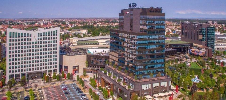 - Iulius Town Timisoara 1 960x428 - Iulius Town Timişoara, cel mai mare mall din afara Bucureştiului, îşi suspendă temporar activitatea de retail