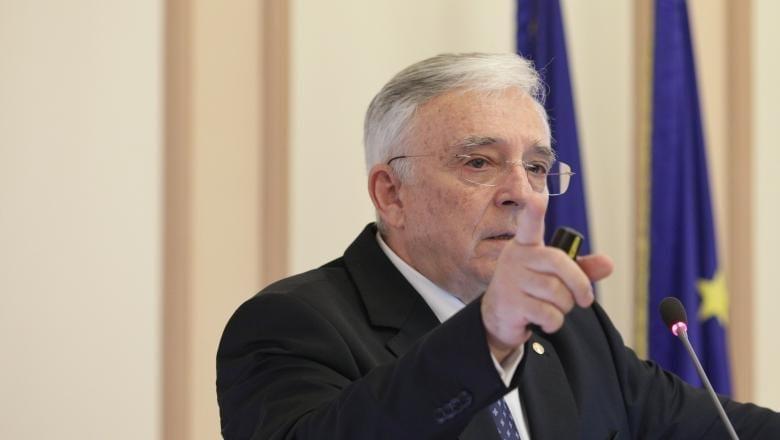 - Mugur Isarescu - Mugur Isărescu: Sistemul bancar românesc este solid și funcționează peste mediile europene