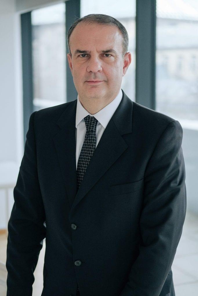 - Vladimir Aninoiu Deloitte Romania 683x1024 - Deloitte și FintechOS, partenere în transformarea digitală a CEC Bank
