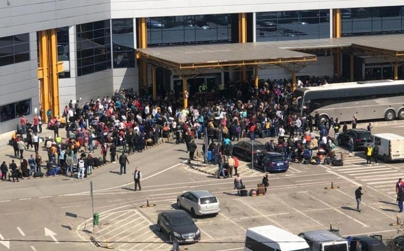 1.800 de români pleacă la muncă în germania de la cluj - Aeroport Cluj - 1.800 de români pleacă la muncă în Germania de la Cluj