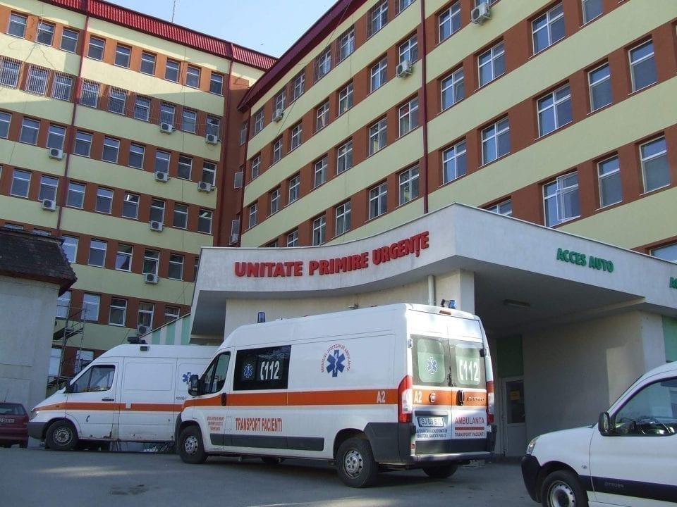 - Spital Zalau 1 960x720 - Businessmenii Zalăului fac donații consistente în criză