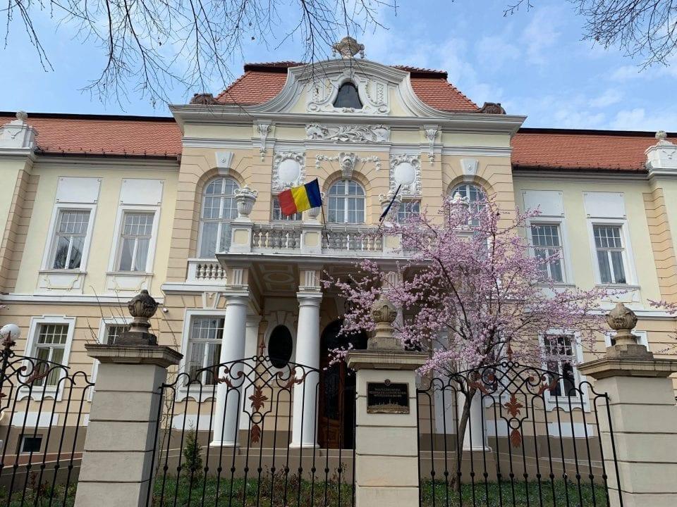 - ulbs rectorat 960x720 - Universitatea din Sibiu lansează două proiecte de 250.000 de euro în lupta cu Covid-19