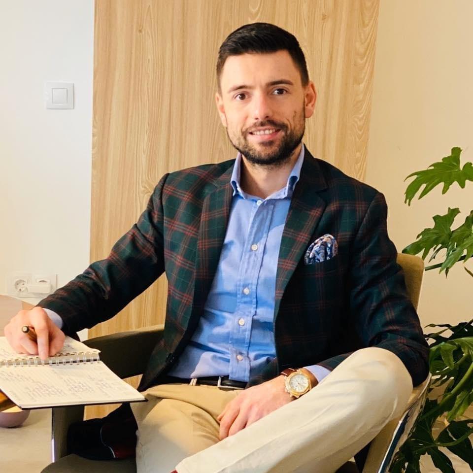 - Mihai Huz  u 960x960 - Mihai Huzău, Director Executiv Olimpia Travel Group:Guvernul ar trebui să se îngrijească, în primul rând, de companiile cu perspectivă de creștere, adică singurele care pot pune în mișcare economia în următoarea perioadă.