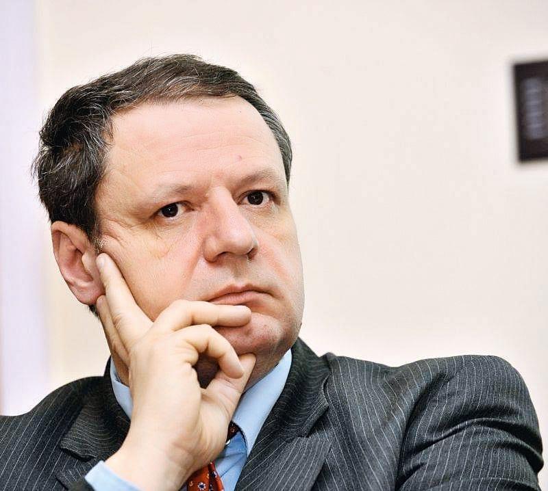 """- Sorin Paveliu - Sorin Paveliu: """"România trebuie să aplice strategia de dublă testare"""""""